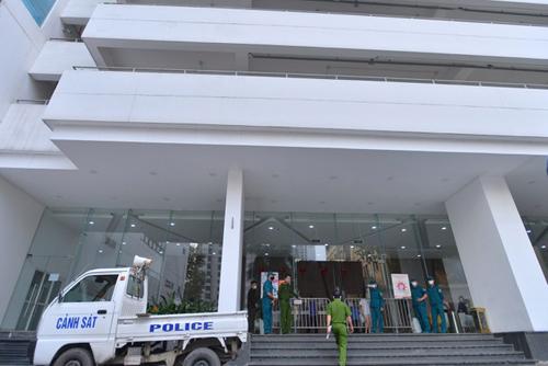 phong-toa-toa-nha-center-poitn-o-le-van-luong-thanh-xuan-1620820364059.jpg