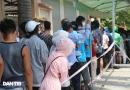하노이시: 코로나19 음성확인서 발급을 위해 기다리는 수백 명의 시민들