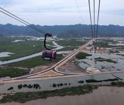 하이퐁 깟하이섬-깟바섬 연결하는 케이블카 개통.., 기네스북 인정 최고 높이