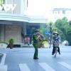 하노이시: 코로나 방역 강화 조치 첫 날 아침 여전히 사람들 넘쳐나