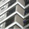 하노이시: 아파트 12층 난간에서 추락한 유아 받아 생명 구한 남성 화제