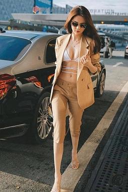 베트남 모델들도 수영복 스타일의 새로운 패션 선보여