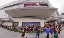 이온몰: 하이퐁시에 첫 번째 쇼핑몰 개장.., 입장 위해 줄서서 대기