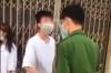 하노이시: 강력한 이동통제에 정면으로 항의하는 십대들에 벌금 부과