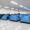 박닌성: 근로자 임시 숙소로 '텐트촌' 등장..., 공장 가동 위해 안간힘
