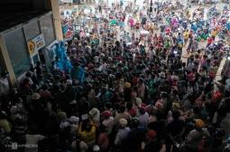 호찌민시: 코로나 검사 받으려 모여든 사람들로 집단 감염 우려