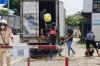 베트남에서 트럭 짐칸에 타고 검문소 통과하다 발각
