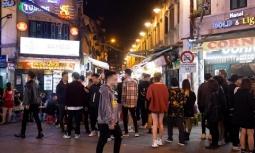 하노이시: 노래방/댄스클럽 등 유흥시설 재개장에 몰려드는 손님들