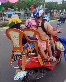 부모의 마음으로 만든 4인승 오토바이