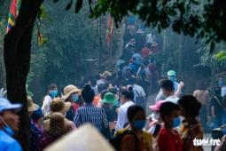 푸토성: 흥봉왕 축제에 몰려드는 사람들.., 코로나 방역은?