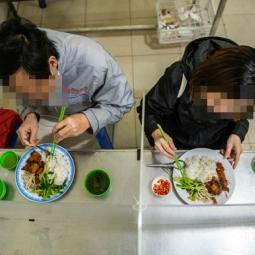 쌀국수 식당의 코로나19 대응법.., 파티션 설치