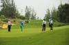 빈딘성: 사회적 거리두기 중 골프 친 공무원 징계 검토 및 골프장 일시 중단
