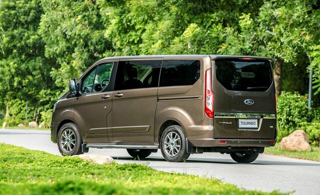ford-tourneo-titanium-brown-jp-6064-7346-1568344795_1200x0_fbpf.jpg