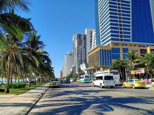 many-coastal-hotels-in-danang-offered-for-sale-after-pandemic.jpg
