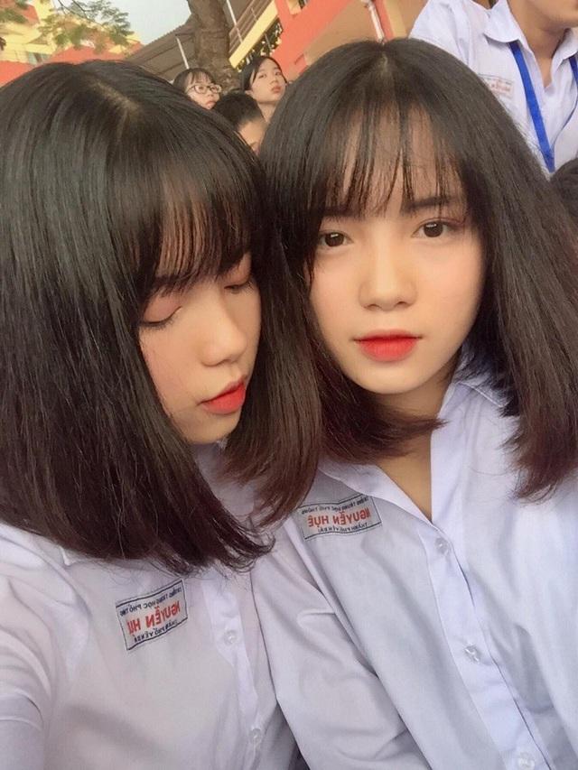 cap-chi-em-song-sinh-yen-bai-duoc-truyen-thong-trung-quoc-het-loi-khen-ngoidocx-1569858050974.jpeg