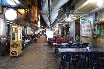 하노이, '엎친데 덮친격' 음주 단속과 신종코로나로 텅텅빈 음식 거리