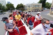 코로나19로 오도가도 못하는 외국인 관광객 체류기간 연장 가능