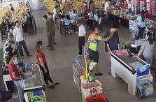 CCTV에 딱 잡힌 공안의 갑질 현장.., 곳곳에서 갑질이 일반화된 사회 현상