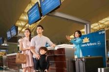 베트남항공 탑승객들 의무적으로 건강 신고서 작성.., 뗏 성수기 대비