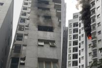하노이, 아파트 6층에서 발생한 화재로 주민들 황급하게 대피