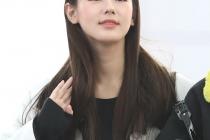 한국 스타들이 사용하는 휴대폰은? AAA 참석차 입국한 연예인들의 휴대폰