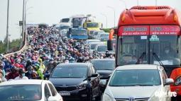 베트남, 연휴 시작되자마자 도로는 주차장으로 변해