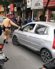 극한직업 : 위험에 내몰린 베트남 교통 경찰