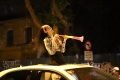 베트남 승리를 축하하기 위해 거리로 쏟아져 나온 시민들