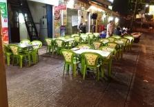 베트남, 음주운전 단속 강화에 길거리 술집 썰렁.., 상인들 울상