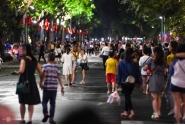 하노이시, 다시 돌아온 일상.., 호안끼엠 보행자 도로 전경