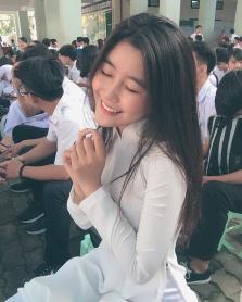 사이공, 16세 여학생의 축복 받은 몸매