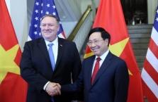 마이크 폼페이오 미 국무장관, 예정에 없던 베트남 방문