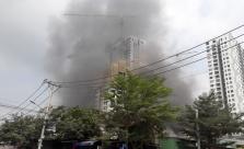 호찌민시, 주거 지역 유리 공장에서 화재 발생해 대피 소동