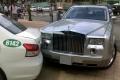 롤스로이스 팬텀과 택시의 충돌사고