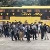 응에안성: 침대버스 타고 불법 입국한 중국인 53명, 검사에서 모두 음성
