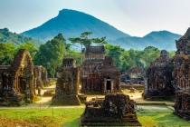 복구중인 유네스코 문화유산 베트남 중부 '미썬 유적지'