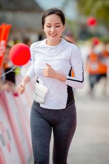 기금 마련 마라톤에 참석한 Mai Phuong Thuy