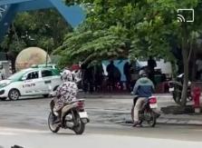 하이퐁시, 대학 정문에서 패싸움.., 진압위해 경찰이 총기 발사