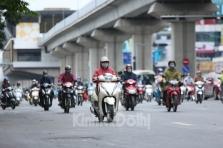 하노이시: 2030년까지 시내에서 오토바이 운행 금지 검토.., 시민들은 반발