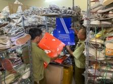 하노이: 유명 상표 가짜 운동화 판매자 단속.., 온라인 단속도 강화