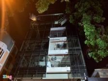 하노이: 시내 7층 주택 유리 공사 중 비계 붕괴로 4명 사망