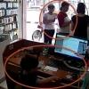 와글와글: 하노이 상점에서 아이폰 훔치는 어린이 '충격'