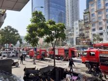 하노이, BIDV 응옌치타잉 지점에서 대형 화재 발생
