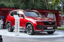 베트남 토종 자동차 빈패스트 3개 모델 판가 공개..., 할인 판매가도 공개