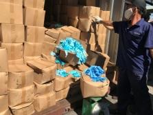 호찌민시: 중국에서 수입한 중고 '의료용 장갑' 컨테이너 2개 발각