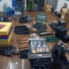 호찌민시: 온라인 흉기 판매상 자택 수색해 대규모 흉기 적발