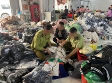 하노이시: 가짜 명품 의류 제조 공장 적발.., 추가 조사 진행 중