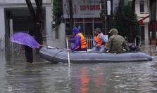 베트남, 중부지역 홍수와 산사태로 102명 사망 26명 실종