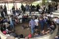베트남 중남부에서 투계 도박장 운영한 조직원 13명 체포