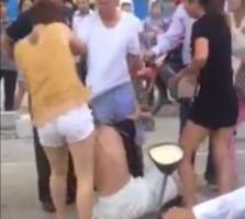 와글와글 : 정말 무서운 베트남 여자들..., 옷벗기고 구타
